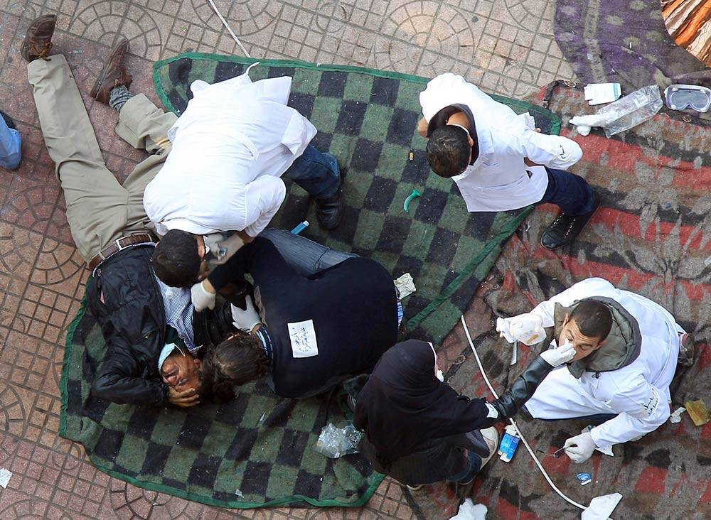 إصابات، مصابون، ثورة 25 يناير، عنف الشرطة، الطواقم الطبية