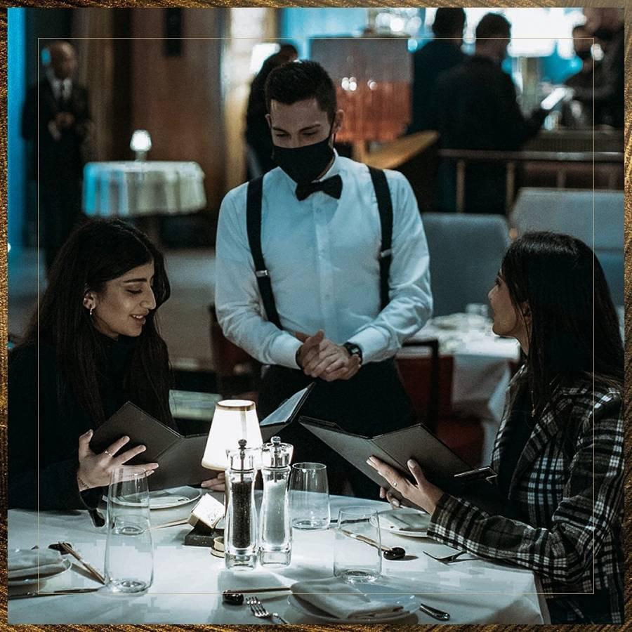 مطعم ملياردير الرياض يقدم خدمة فاخرة لا تنافس لزبائنه