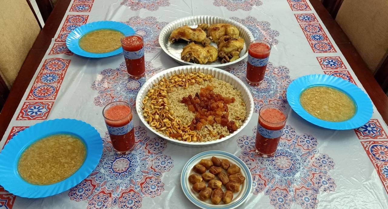 من موائد الإفطار في القرى المصرية