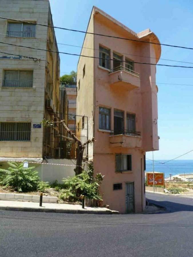 """مبنى """"البعصة"""" الشهير والسيئ السمعة في بيروت"""