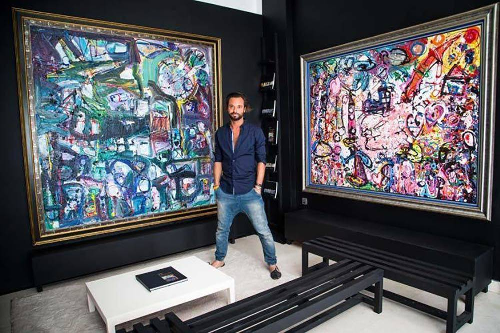 أكبر لوحة قماشية في العالم تُباع بسعر قياسي