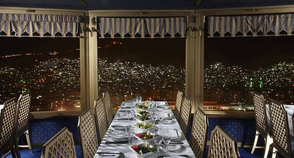 المطعم الدوار في دمشق